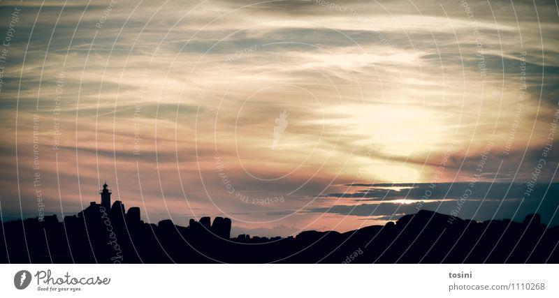 Im Gegenlicht Natur Himmel Wolken Sonne Sonnenaufgang Sonnenuntergang schwarz Leuchtturm Romantik Erholung beruhigend schön Sonnenlicht Farbfoto Außenaufnahme