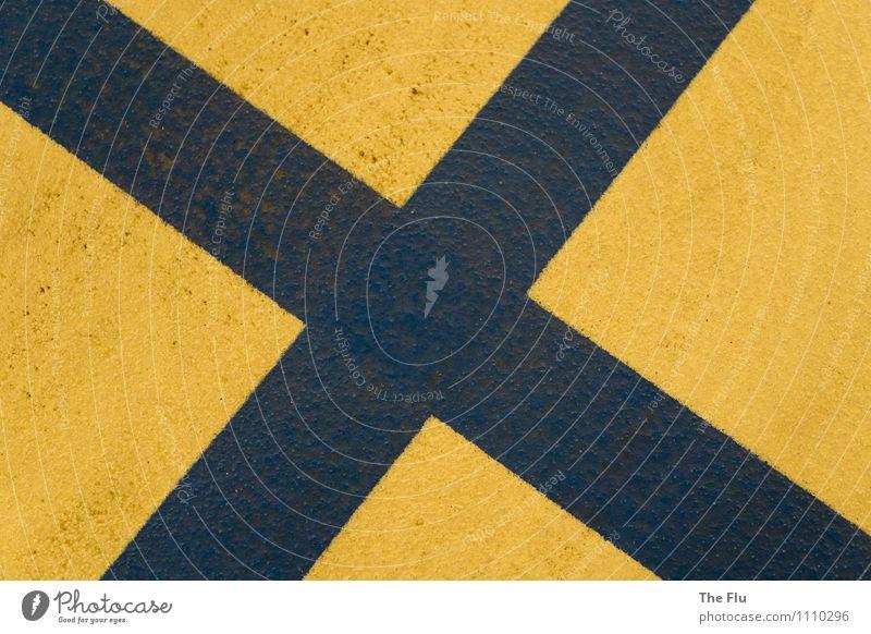 Ein X für ein U... Stadt Parkhaus Boden Asphalt Verkehr Straße Wege & Pfade Stein Beton Zeichen Schriftzeichen eckig fest Spitze Zufriedenheit planen Symmetrie