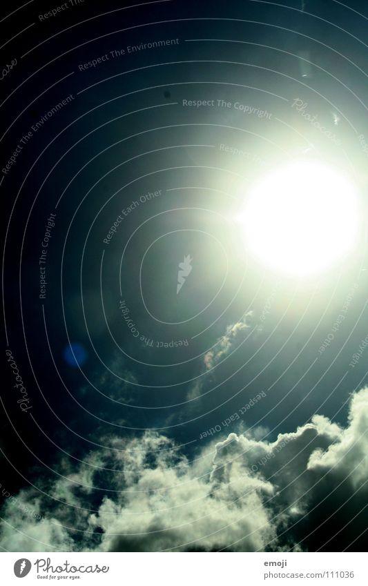 sonnen-, sonnen-, sonnenscheiiiin Sonne Beleuchtung Sommer dunkel außergewöhnlich Wolken Himmel Unwetter böse Sonnenfleck falsch blau grell Licht sun sunshine