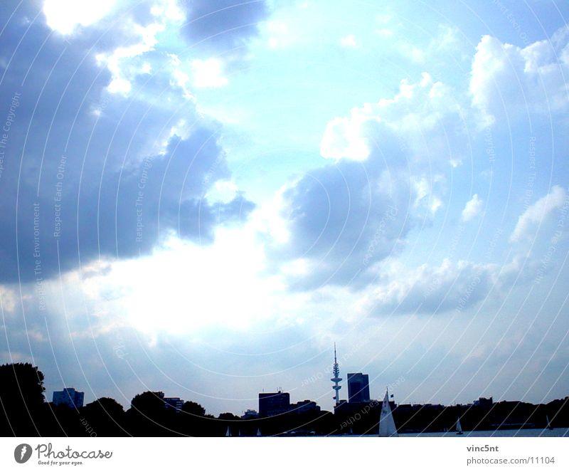 neo-Hamburg Neonlicht kalt frisch Wolken Fototechnik Himmel blau