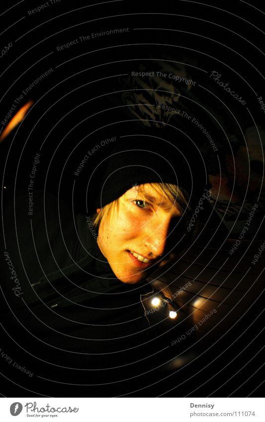 guckuk Licht Mütze Raum Wand Mensch Auge Gesicht Decke Haare & Frisuren Nase