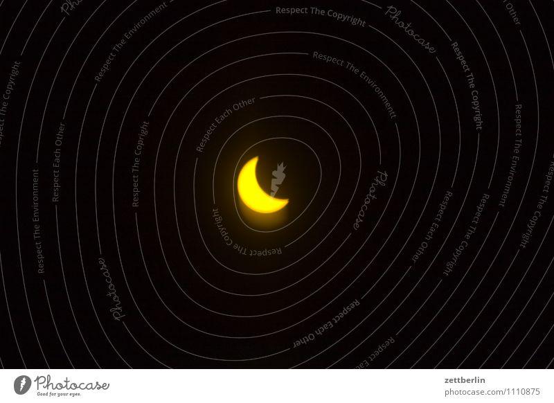Sonnenfinsternis Himmel Sonne dunkel Mond Filter verdeckt Spektakel verdunkeln Astronomie Astrologie Halbschatten Sonnenfinsternis Nacht Kernschatten