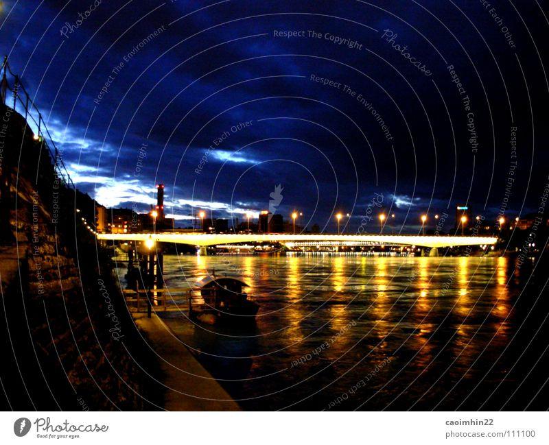 Basel by Night Schweiz Europa Nacht Licht dunkel Abenddämmerung Fähre Wasserfahrzeug Wolken Stadt Beleuchtung Steg Flussufer schwarz gelb Stimmung Rhein Rhine