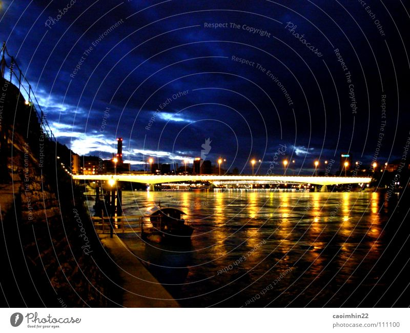 Basel by Night Wasser blau Stadt schwarz Wolken gelb dunkel Wasserfahrzeug Stimmung Beleuchtung Nacht Europa Brücke Fluss Schweiz Steg