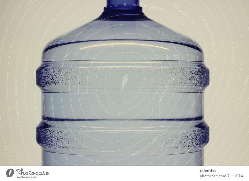 Bottle Wasser trinken Kunststoff Flüssigkeit durchsichtig Statue Flasche Verpackung Container Kunststoffverpackung Pfand Wasserflasche