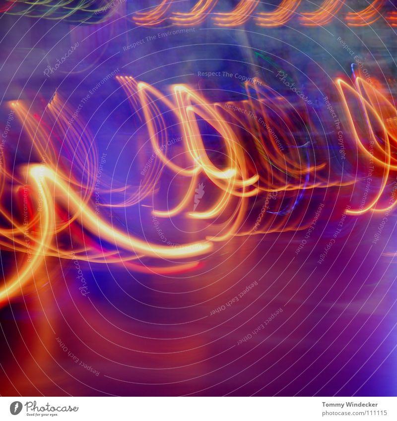 99 blau Freude Farbe gelb Bewegung Party Stimmung Musik Kindheit Beleuchtung Feste & Feiern Freizeit & Hobby Geschwindigkeit Dekoration & Verzierung fahren Jahrmarkt
