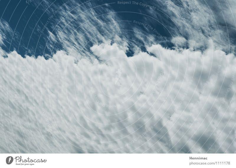 Heiter bis wolkig. Sommer Sommerurlaub Natur Luft Himmel nur Himmel Wolken Klima Wetter Schönes Wetter schlechtes Wetter blau grau weiß Stimmung Wattewölkchen