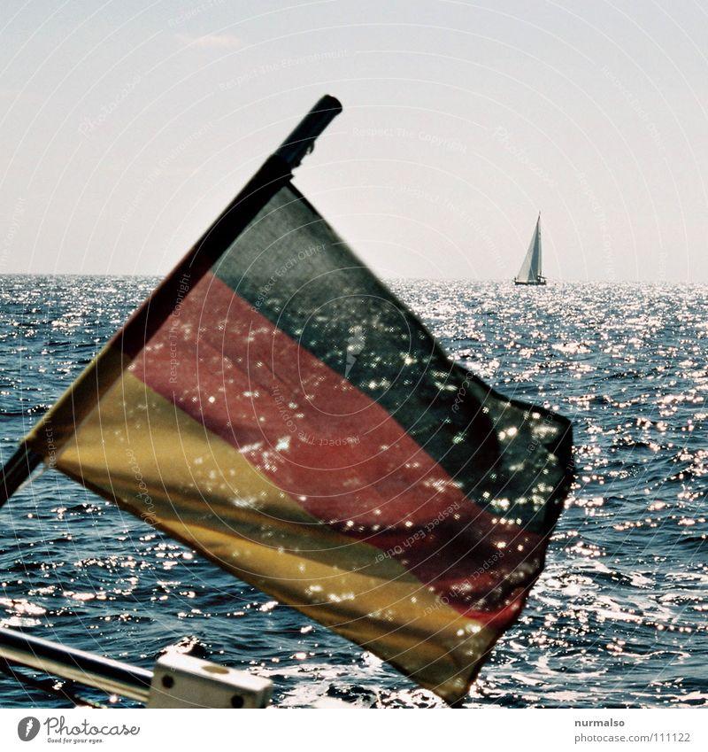 Neunter November Meer Freude Mauer Deutschland Wasserfahrzeug Fahne Vergangenheit Ostsee Segeln Schifffahrt Amerika Ereignisse Stolz Wiedervereinigung Heck