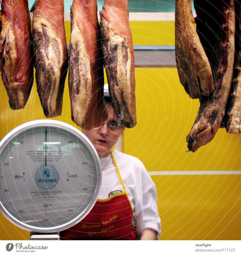 wurst grün rot gelb Ernährung Lebensmittel kaufen lecker Markt Fleisch verkaufen Wurstwaren Waage ungesund Händler Keule Schinken