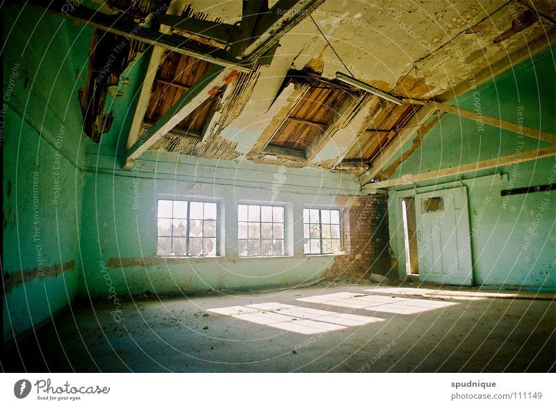 living room Vergangenheit Fabrik Gebäude Fenster Licht Verfall ruhig verfallen Vergänglichkeit Sonne alt leer
