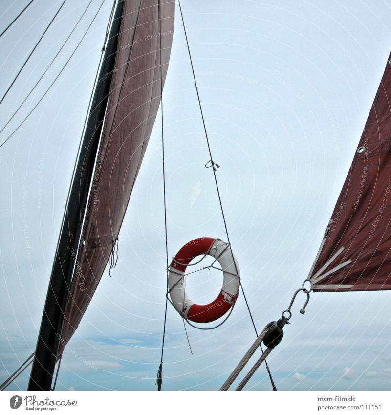 rettung möglich Wasser Himmel Sonne Meer blau rot Sommer See Wasserfahrzeug Wind Seil Segeln Schifffahrt Strommast Rettung Segel