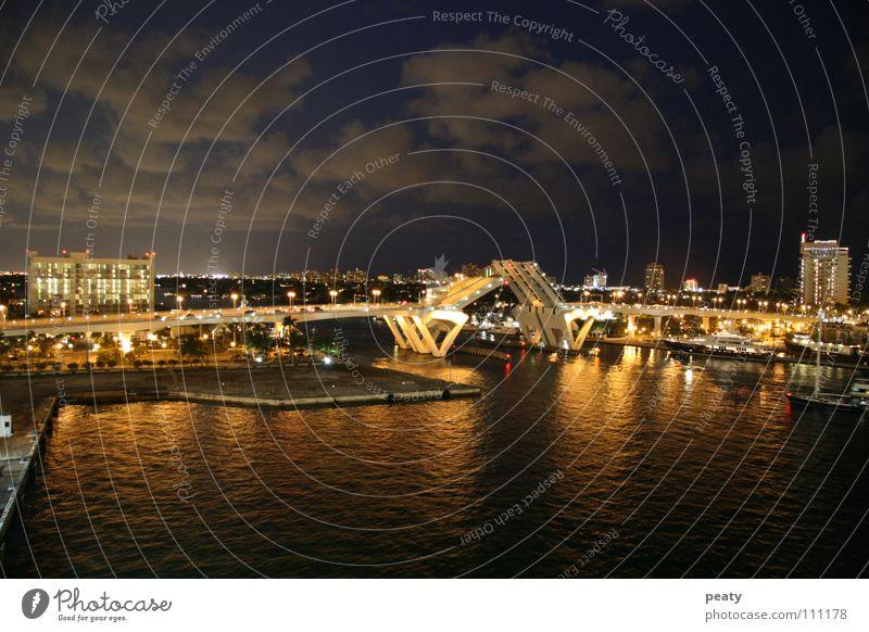 Zugbrücke bei Nacht Straße Wasserfahrzeug Verkehr Brücke USA Hafen Amerika Bauwerk Florida Nachtaufnahme Miami Fort Lauderdale