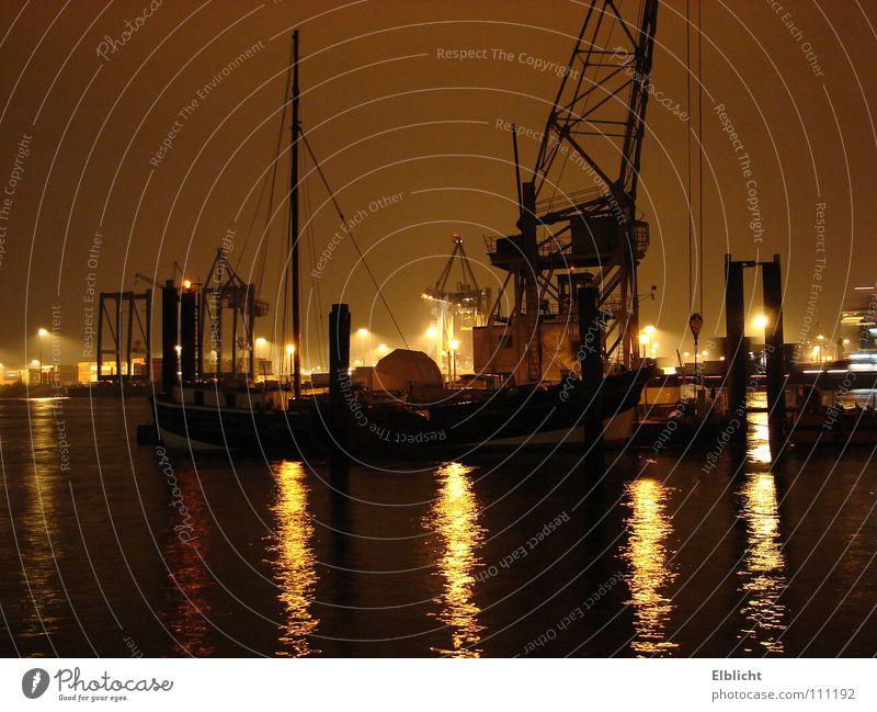 schwarze Elbe Nacht Wasserfahrzeug Februar Hafen Hamburg Licht