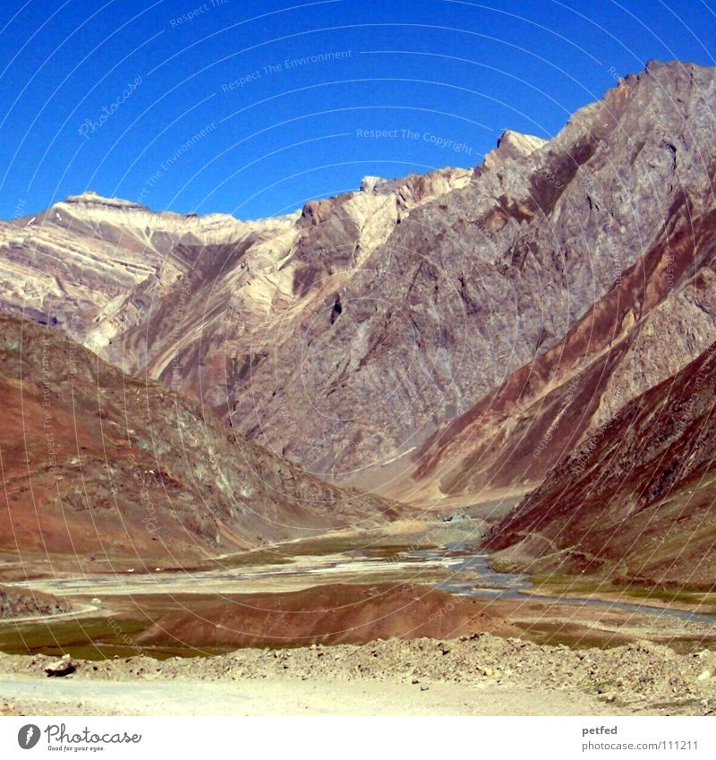 Zojilla Pass Kaschmir II Himmel Ferien & Urlaub & Reisen Schnee Berge u. Gebirge Erde braun wandern hoch Fluss Kultur Asien Spitze Amerika Indien Bergsteigen