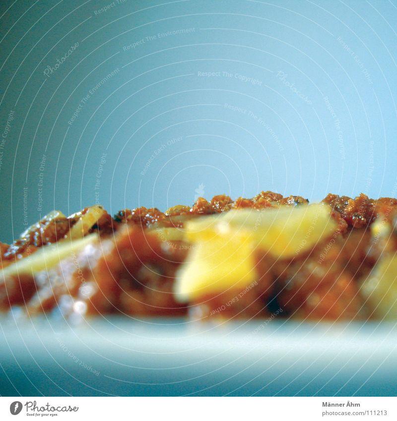 Blick über den Tellerrand. grün Farbe gelb Berge u. Gebirge Horizont Energiewirtschaft frisch Ernährung Kochen & Garen & Backen Küche Italien Aussicht Speise genießen Gemüse Gastronomie