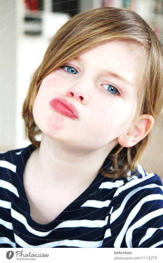schaun wir mal... Kind blau schön Gesicht Auge Junge Spielen Glück Haare & Frisuren Familie & Verwandtschaft maskulin wild nachdenklich blond Kindheit