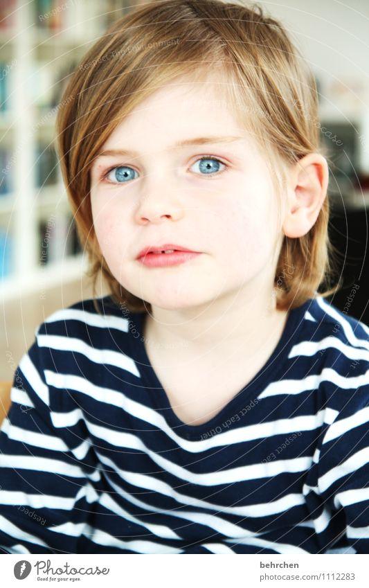 verliebt... Kind blau schön Freude Gesicht Auge Liebe Junge Spielen Glück Familie & Verwandtschaft Zufriedenheit blond Kindheit Fröhlichkeit Mund