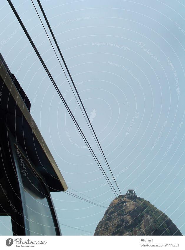 ... das Leben am eisernen Faden Felsen Seil Hügel Gipfel Stahlkabel Wahrzeichen aufwärts Sehenswürdigkeit Brasilien Bildausschnitt Anschnitt Bekanntheit
