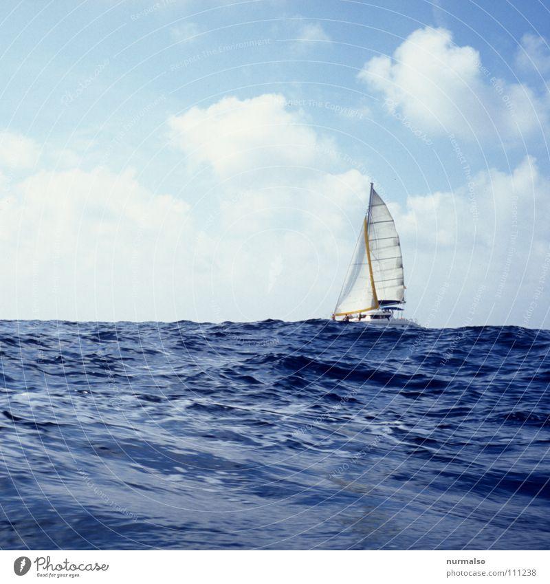 Wellental blau Ferien & Urlaub & Reisen Meer Sommer Freude Einsamkeit Sport Spielen Freiheit See Wellen groß Segeln Brandung Mittelmeer Segelboot