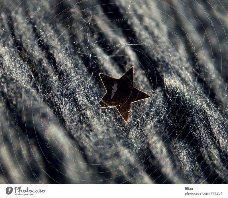 Der Stoff aus dem die Sterne sind Weihnachten & Advent Lampe Feste & Feiern glänzend gold Stern (Symbol) Stoff Dekoration & Verzierung weich Symbole & Metaphern Weihnachtsdekoration Weihnachtsmarkt Faser schimmern Filz