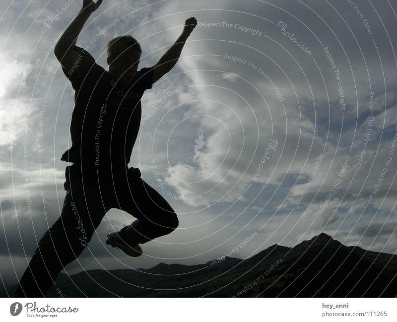 Luftangriff Mensch Wolken Spielen Berge u. Gebirge Bewegung springen Aktion