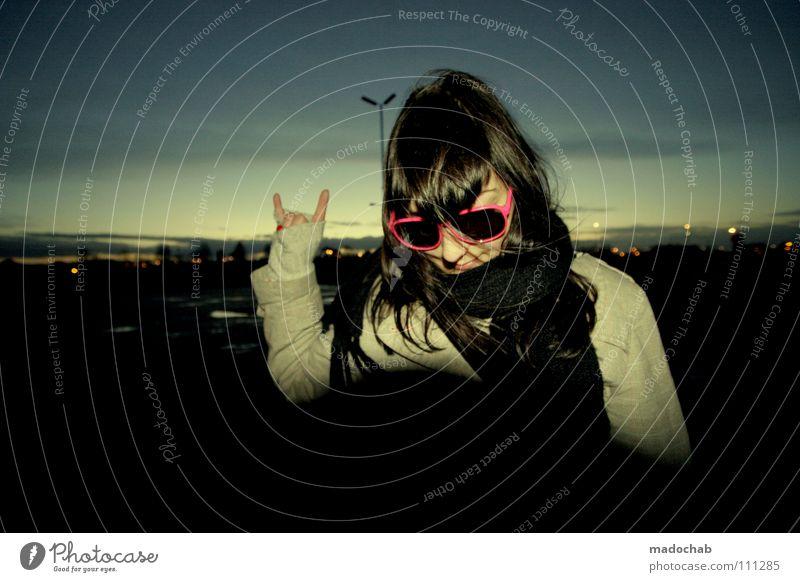 JUST ROCK ON... Frau Mensch Himmel Jugendliche Hand schön Stadt Winter Gesicht feminin dunkel Musik Mode rosa frei Finger