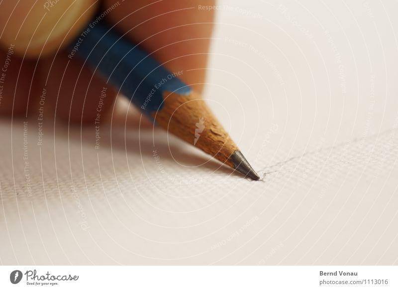 Aller Anfang ... Schreibstift hell positiv Spitze blau braun Leinwand Handarbeit Kunst Entwurf zeichnen Arbeit & Erwerbstätigkeit Finger Holz Linie