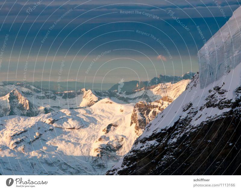 Frau Holle schüttelt immer noch... Umwelt Natur Landschaft Klima Klimawandel Wetter Schönes Wetter schlechtes Wetter Eis Frost Schnee Hügel Felsen Alpen