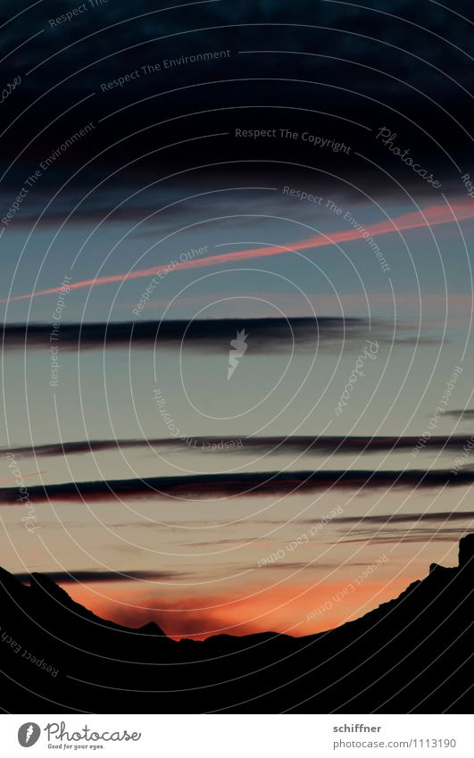 Jungfrau geht schlafen Landschaft Wolken Sonnenaufgang Sonnenuntergang Hügel Felsen Alpen Berge u. Gebirge Gipfel dunkel schwarz Abenddämmerung rosa