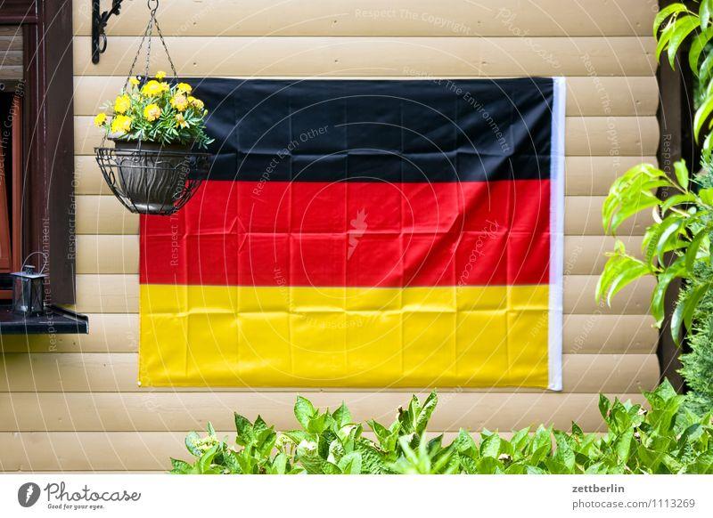 Deutschlandfahne, gebügelt rot schwarz Fenster Ordnung Dekoration & Verzierung gold geschlossen Deutsche Flagge Fahne Schrebergarten gerade Blumentopf Hecke