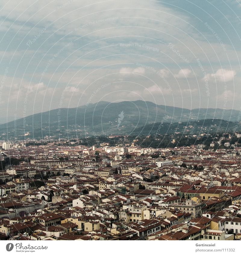 Florenz 2005 Italien Toskana Stadt Vogelperspektive Haus Dach Wolken schön Kunst Baum Fenster mehrfarbig Himmel Aussicht Dom Berge u. Gebirge Straße Tür alt