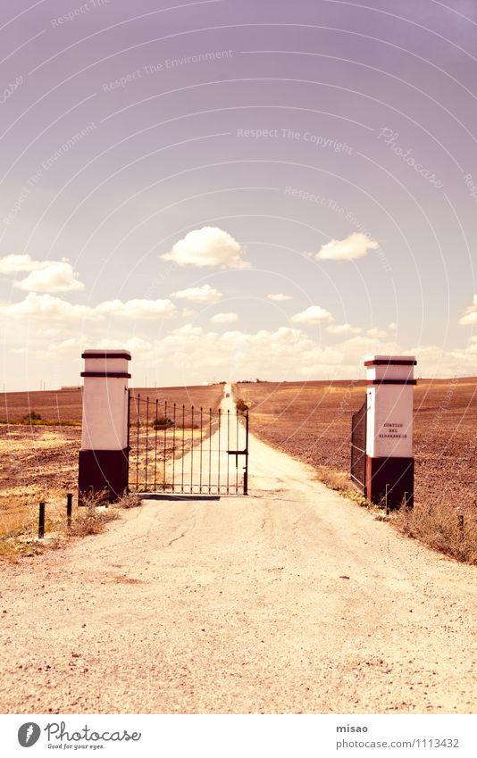 Puerta roja Himmel Natur Sommer Einsamkeit Landschaft ruhig Wolken Ferne Wärme Leben natürlich Wege & Pfade Freiheit Sand Horizont Feld