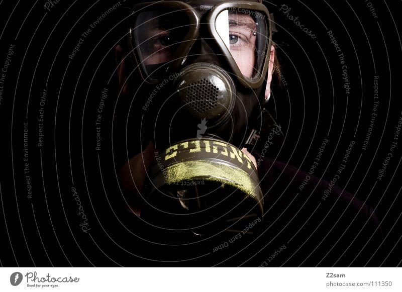 *SELBSTSCHUTZ* Mensch Mann weiß Gesicht Umwelt oben Kopf Stil dreckig Klima gefährlich Schriftzeichen verrückt bedrohlich Schutz Maske