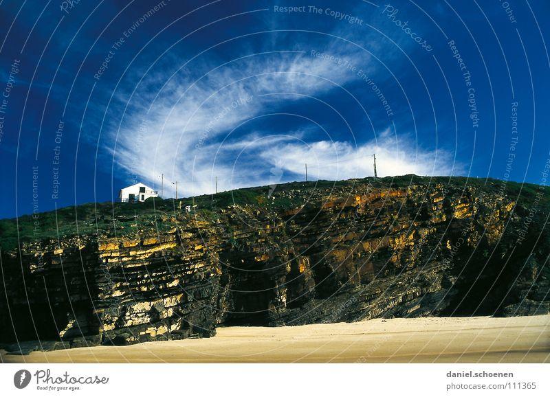 mein Ferienhaus (schön wär`s !!) Haus Einsamkeit Strand Küste Meer Ferne Portugal Felsvorsprung Klippe steil Wolken weiß grün Ferien & Urlaub & Reisen Fernweh