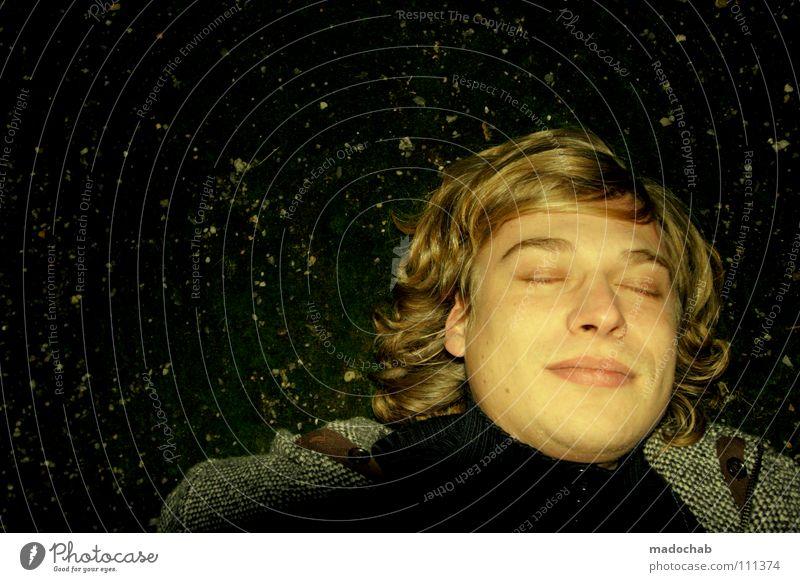 1001 ENDLICH DURCHATMEN Mensch Jugendliche Gesicht gelb Erholung Haare & Frisuren träumen Zufriedenheit blond gold geschlossen schlafen liegen Pause Lächeln