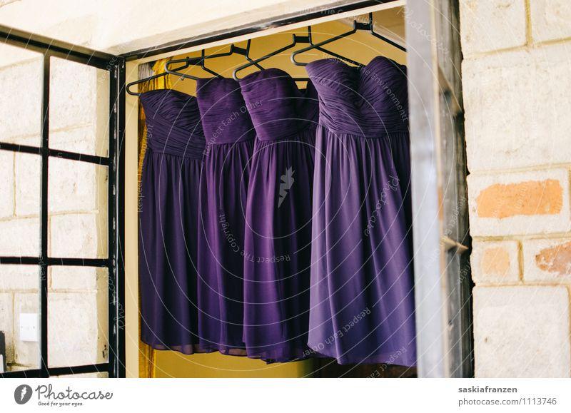 Dress up, ladies. schön Erotik Liebe feminin Stil Lifestyle Feste & Feiern Mode elegant modern Bekleidung kaufen Hochzeit Kleid violett Veranstaltung