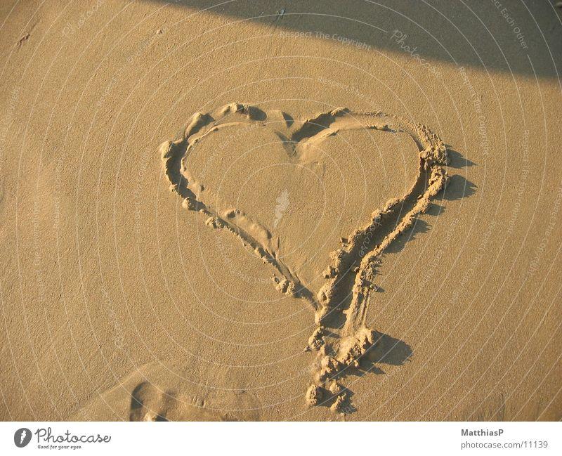 Herz im Sand Meer Sommer Strand Ferien & Urlaub & Reisen Liebe Erholung See Sand Herz Küste Europa