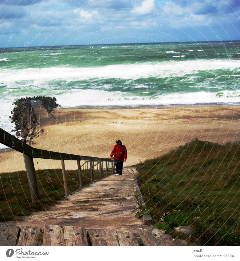 heute ist kein badewetter Mensch Natur Wasser Himmel Meer grün blau Strand Wolken oben Holz Haare & Frisuren See Küste gehen