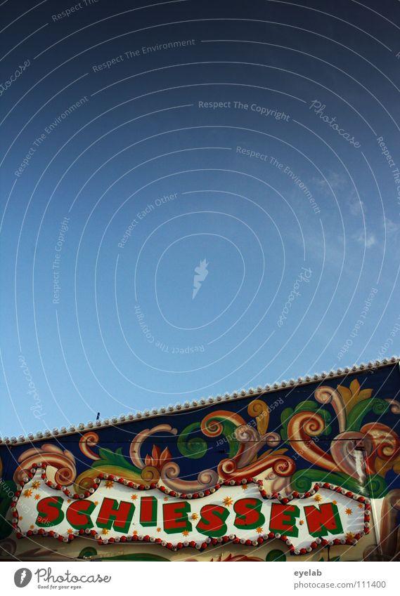 Schiessen...aber auf was bitte ? Himmel blau Freude Wolken Spielen Wohnung Schilder & Markierungen stehen Schriftzeichen Ziel Freizeit & Hobby