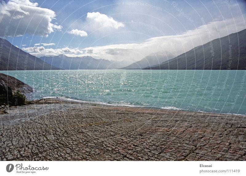 Patagonia Perito Moreno Gletscher See Wolken Wildnis Südamerika Patagonien blau Berge u. Gebirge Landschaft Eis Felsen Stein Himmel Natur