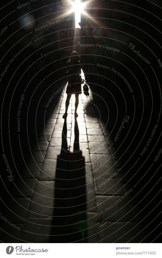 Sonnenuntergang in Venedig Italien Licht Gegenlicht Frau Gasse Himmelskörper & Weltall Silhouette Schatten sun venice
