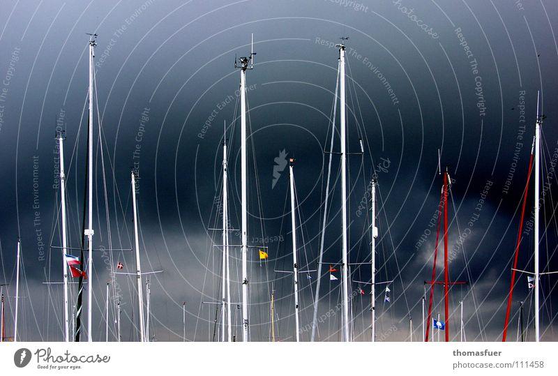 Ästhetik einer Drohung Himmel Meer Wasserfahrzeug Angst Sicherheit ästhetisch Hafen Sturm Segeln Gewitter Strommast Wassersport schwer faszinierend gespannt