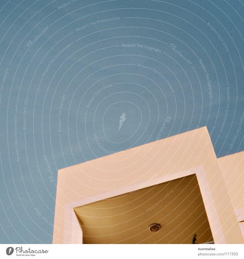 Square remainder on blue blau Meer Farbe Haus oben Architektur See Fassade Design modern ästhetisch Zukunft Ecke Dach Bauwerk Physik