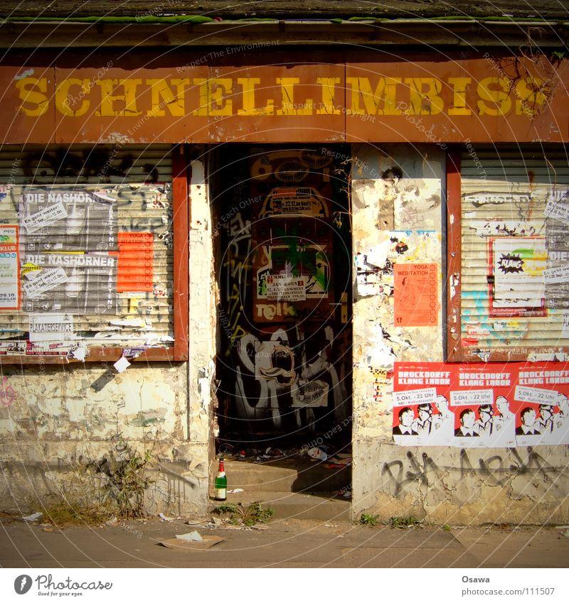 Schnellimbiss Fenster Berlin Tür Wohnung verfallen Gastronomie Eingang Ruine Friseur Ruhestand Renovieren Sanieren Insolvenz Bratwurst Aufgabe Schaufenster