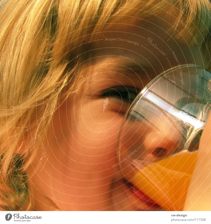 happy birthday lena Kind Hand schön Mädchen Freude ruhig Gesicht Kopf Haare & Frisuren Stil blond Glas Junge Frau elegant Finger ästhetisch