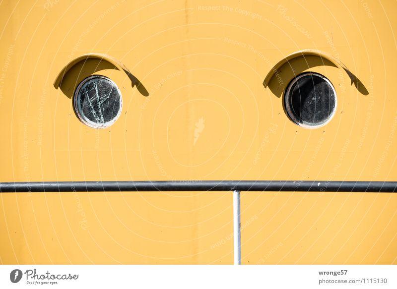 Verdruss Dampfschiff Wasserfahrzeug Bullauge Raddampfer Museumsschiff Metall alt gelb schwarz Abteilfenster Schiffsrumpf Bordwand Stahl Glasbruch Geländer