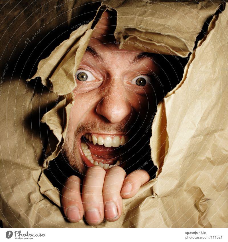 Paperfreak (1) Karton Papier brechen Zerreißen aufreißen Ausbruch Durchbruch driften eng gefangen Fluchtweg gerissen Hand skurril Freude Gesicht Loch stoßen
