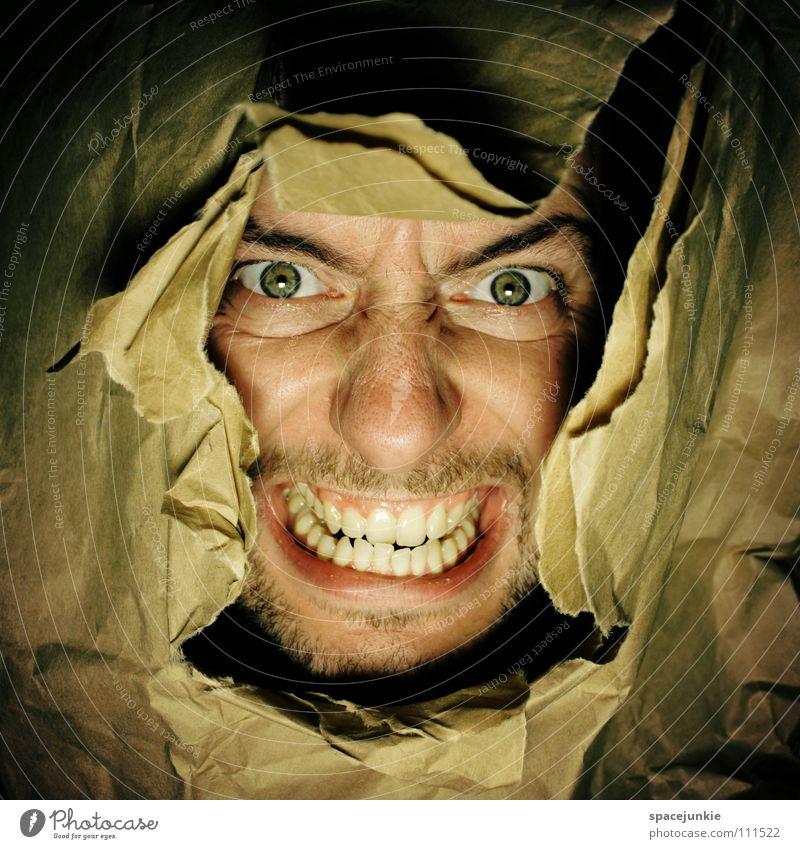 Paperfreak (2) Freude Gesicht Freiheit Papier eng Loch skurril Flucht gefangen Karton brechen stoßen Zerreißen Ausbruch gerissen Durchbruch