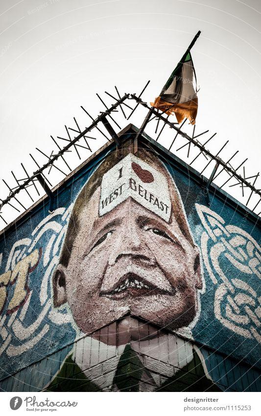 Missverstandener Gott Kind Ferien & Urlaub & Reisen Wand Graffiti Junge Mauer Religion & Glaube Freiheit Tourismus Angst Schilder & Markierungen Kindheit Spitze