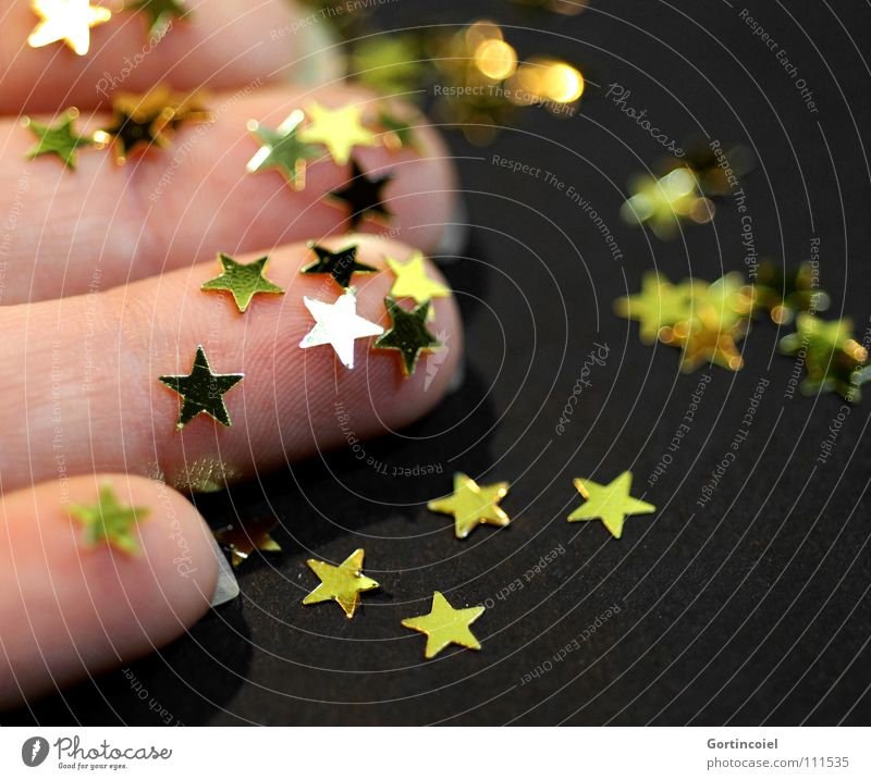 Weihnachtsbastelei III Weihnachten & Advent Hand Winter Stimmung Feste & Feiern glänzend gold Finger Stern (Symbol) Dekoration & Verzierung Reichtum niedlich